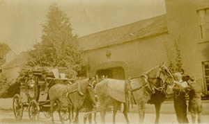 Horses and carriage at Hunters Hotel Wicklow